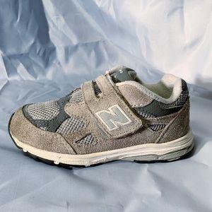 NEW BALANCE Hook & Loop 990v3 Infant Sneakers